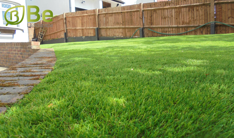 العشب-الصناعي-للحدائق